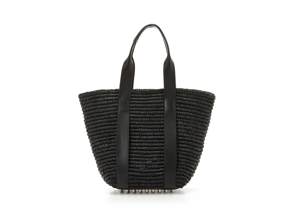 What Are the Best Bags to Carry from Beach to Bar?