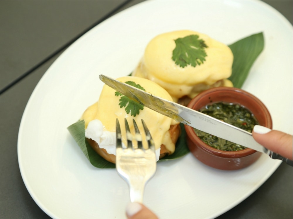 El_Tucumano_Eggs_Benedict_Leynia_2_Photo_Credit_SBE