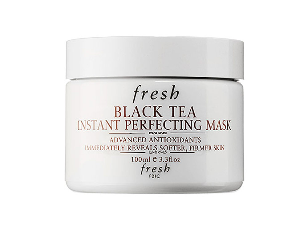 Fresh black tea instant perfecting mask.