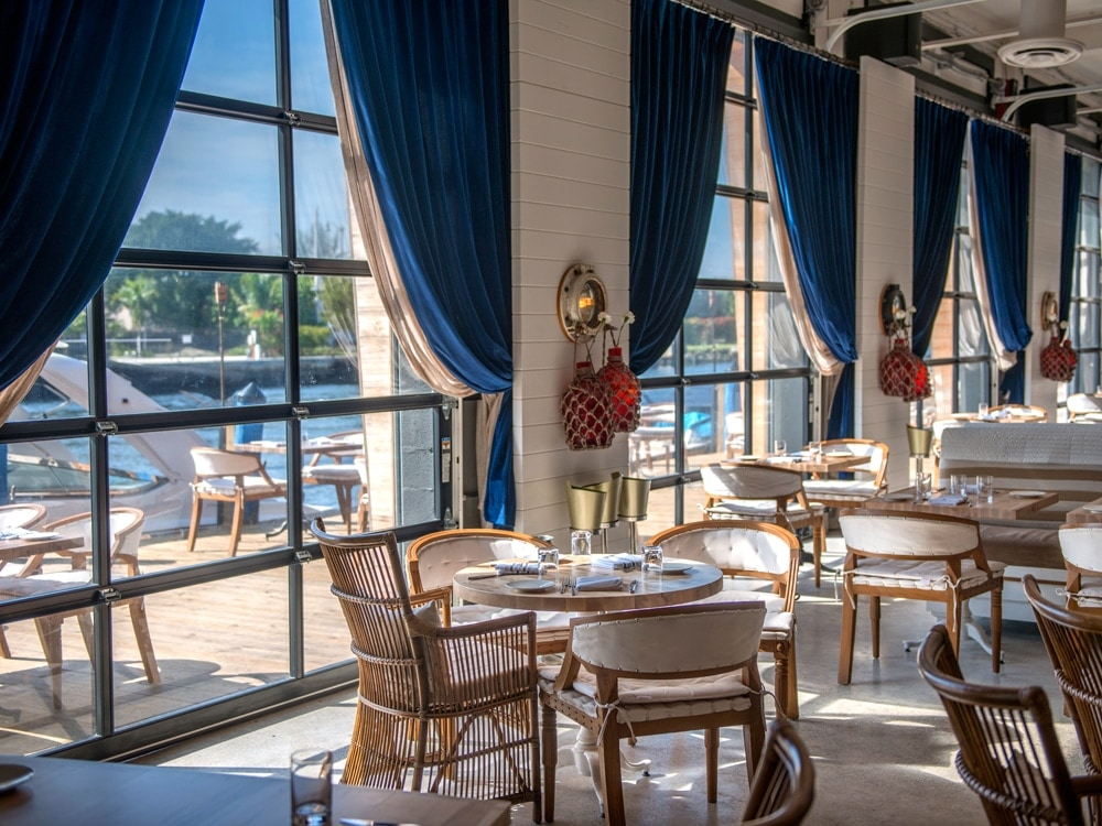 6 Gorgeous Waterfront Restos to Try This Season