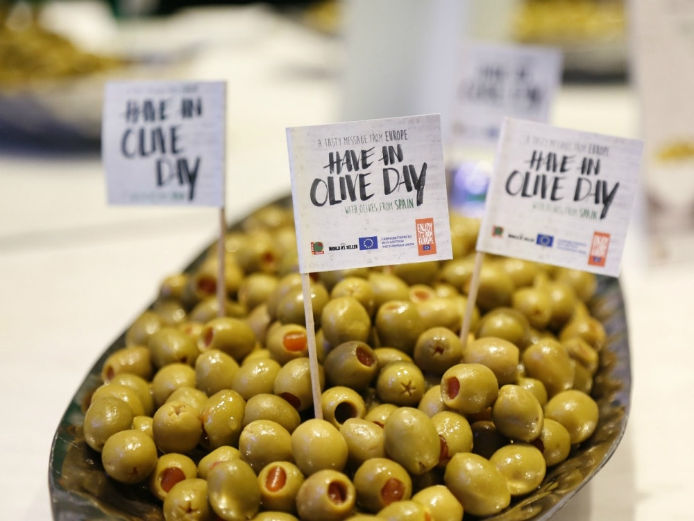 Michelin-Starred Chef José Andrés, the European Union, and Olives from Spain Showcase Miami Campaign,