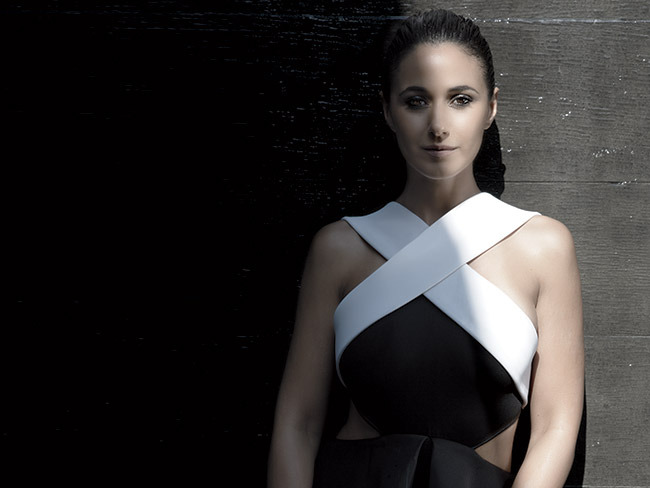 4 - What Emmanuelle Chriqui Thinks of the 'Ent…