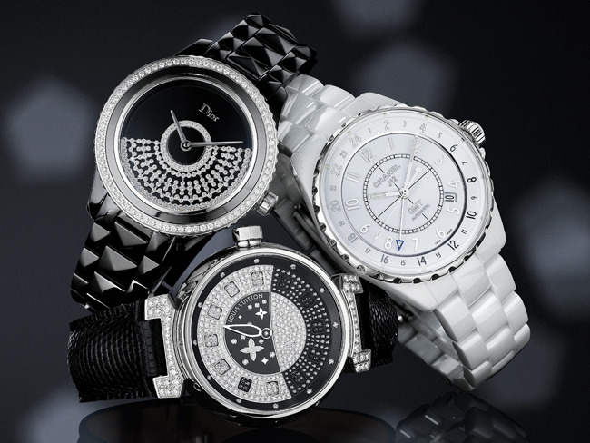 1 - Black-and-White Watch Trend