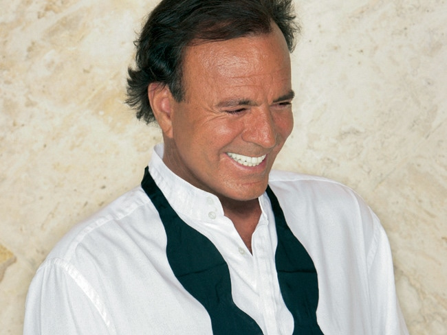 3 - 41 Girls in 41 Days: Julio Iglesias' '70s Life